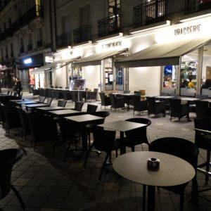 Grande terrasse au Conti, brasserie pub à Tours (37000)